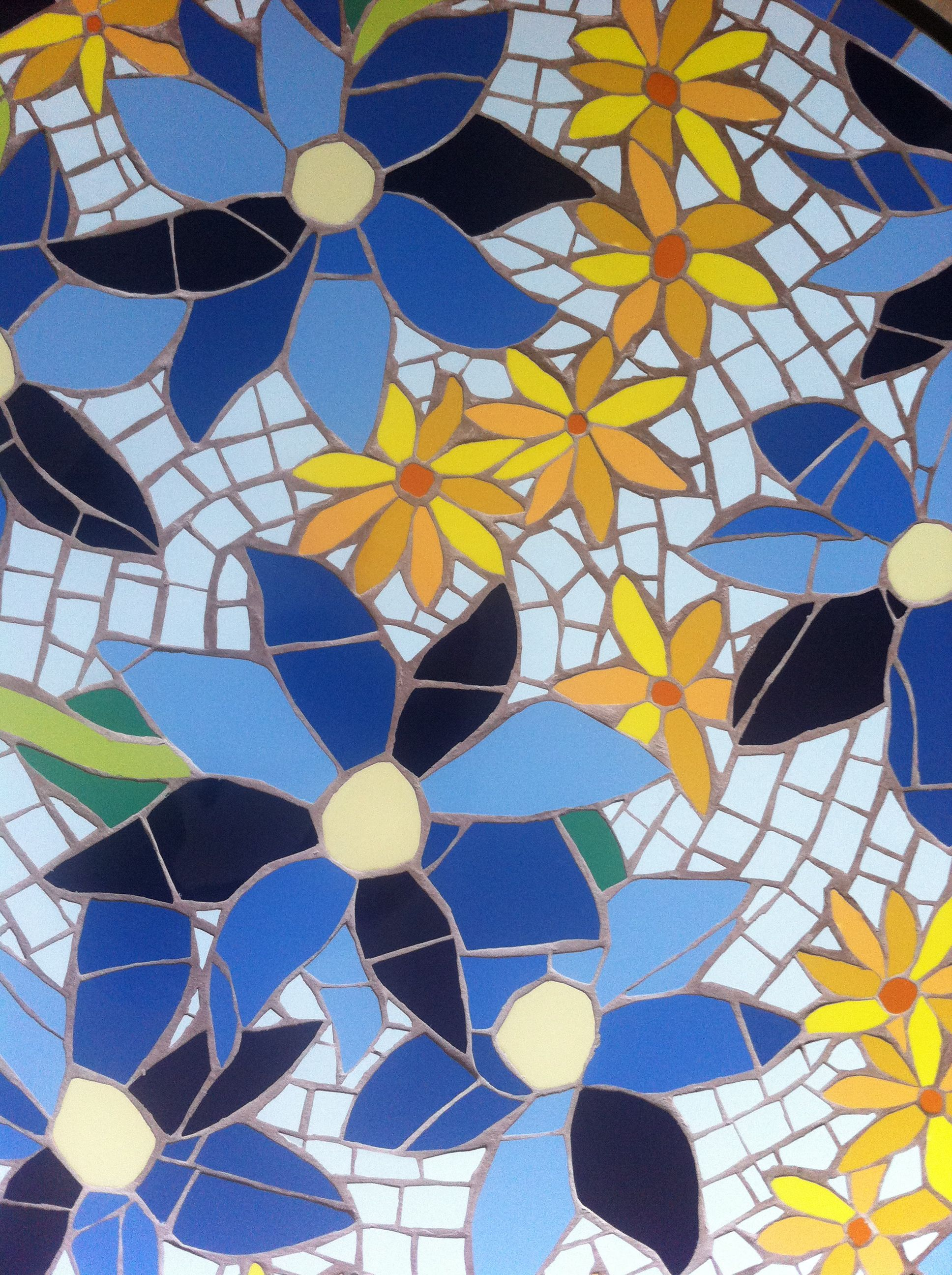 Mosaic flowers on a bistro table. | mosaics | Mosaic ...