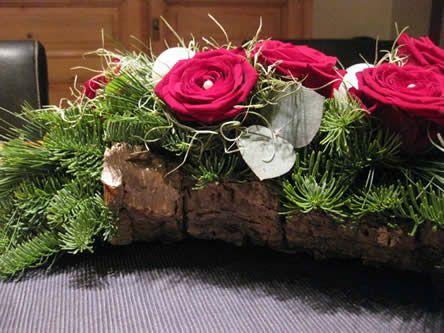 Kerst Tafel Decoratie : Kerst tafelstukje op schors knutsel