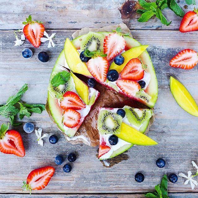 WEBSTA @ kayla_itsines - Fruit pizza  Looks sooo good hey! www.kaylaitsines.com/app