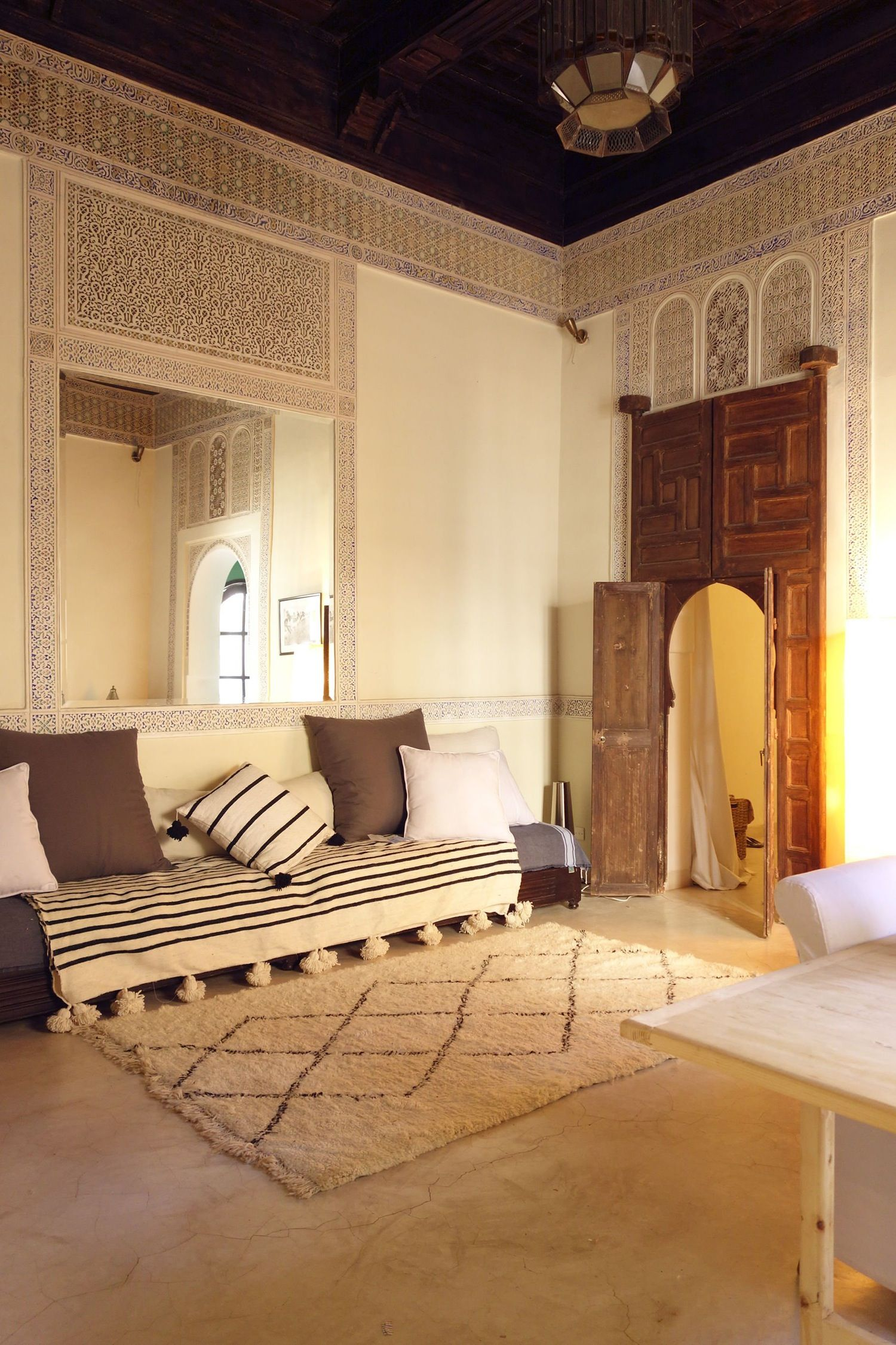 Three Friends Share A Sun Kissed Apartment In Marrakech Moroccan Decor Living Room Home House