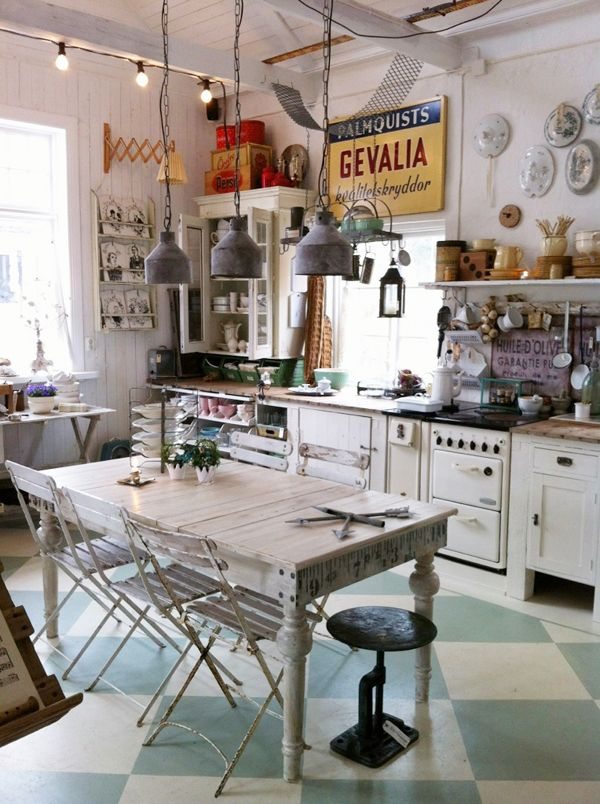 J 39 adore cette cuisine pleine de bric brac d 39 affiche de for Affiche decoration cuisine