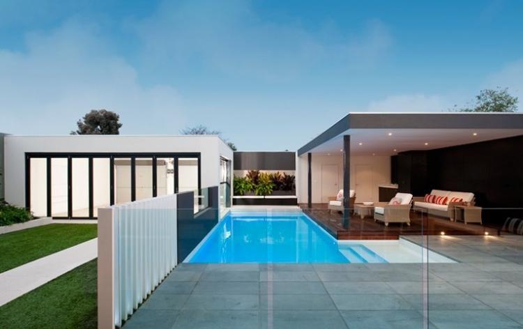 Garten-Pool-Glas-Fronten-Terrasse-Holz-Überdachung | pool deck ...
