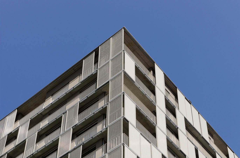 Treppen und Geländer seit 1873 (»Andreaspark G3«, Hagenholzstraße, Zürich. Brüstungsgeländer und Treppengeländer mit Staketen)