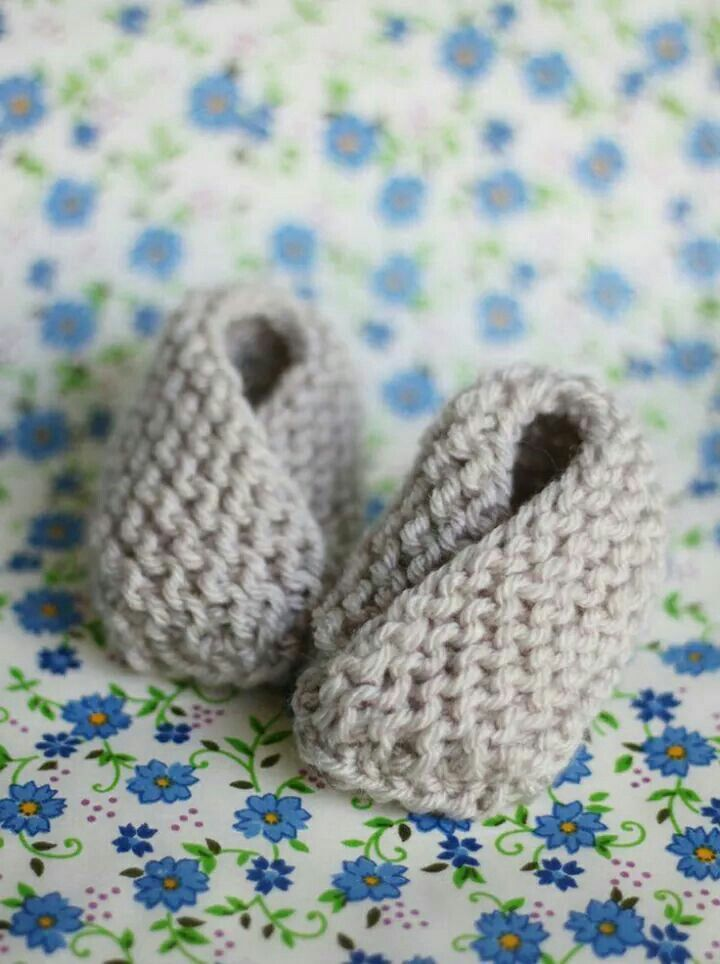 Knit: Bitty Baby Booties | Baby slippers, Baby and Slippers