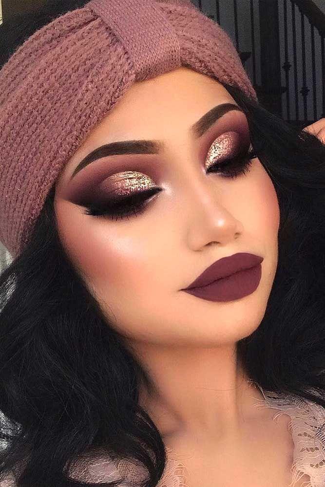 36 Amazing Glitter Christmas Makeup Ideas ★ Amazing Glitter Christmas Makeup I… - Schönheit #makeupideas
