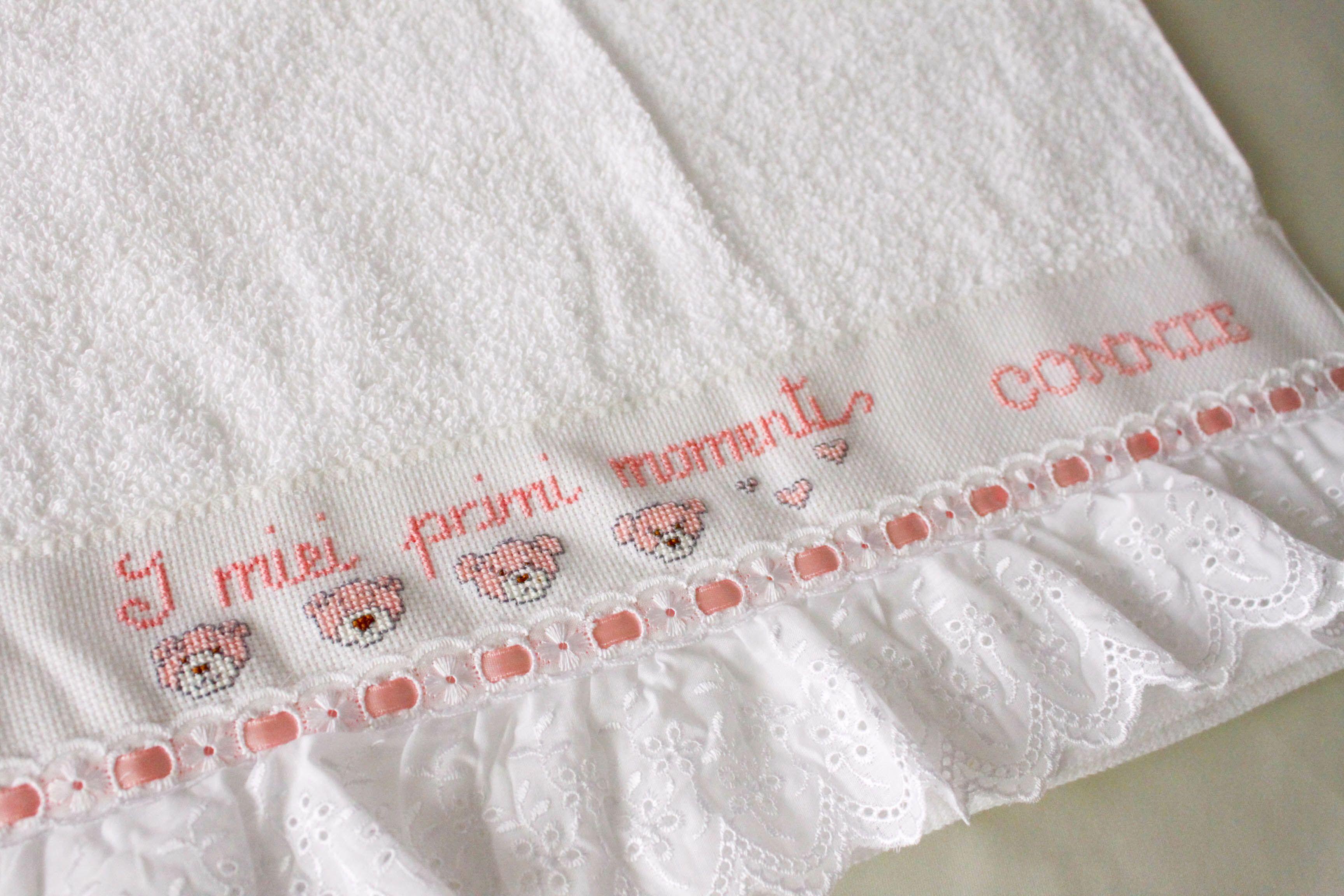 Toalla Con Cenefa Tira Bordada Y Encaje Baby Kit Beautiful Fabric Sewing