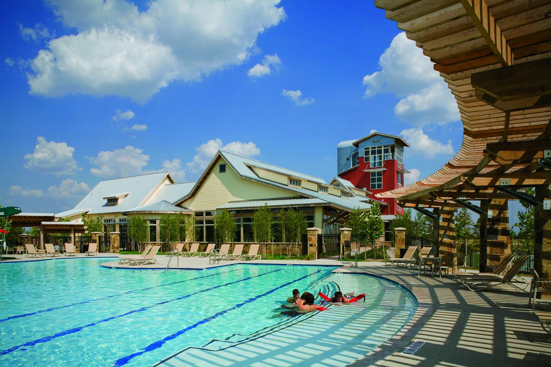 A Pool In Cross Creek Ranch Fulshear Park Model Homes Resort Style Pool