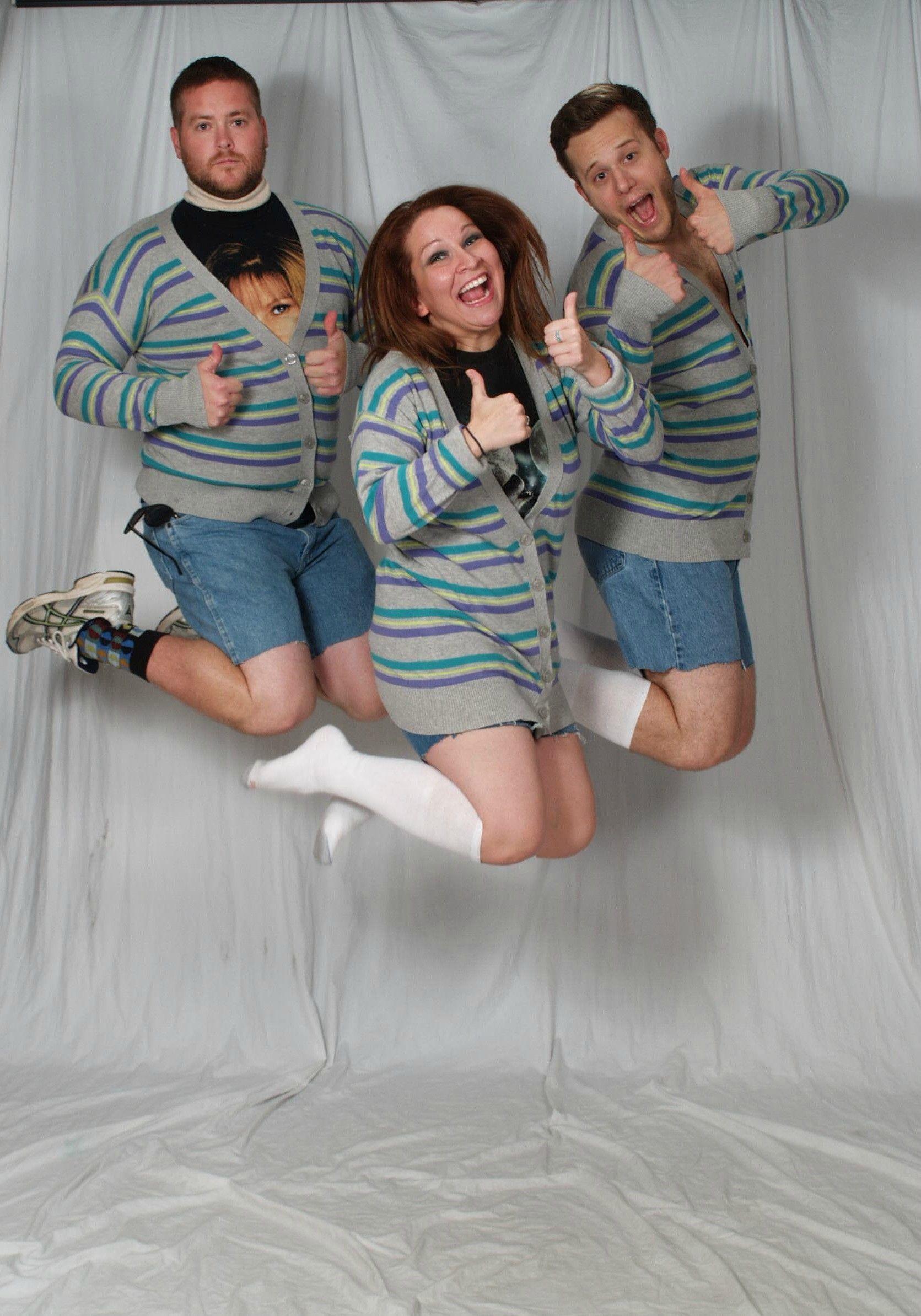So My Office Is Having An Awkward Group Photo Contest How D We Do Funny Group Photos Awkward Family Photos Awkward Photos