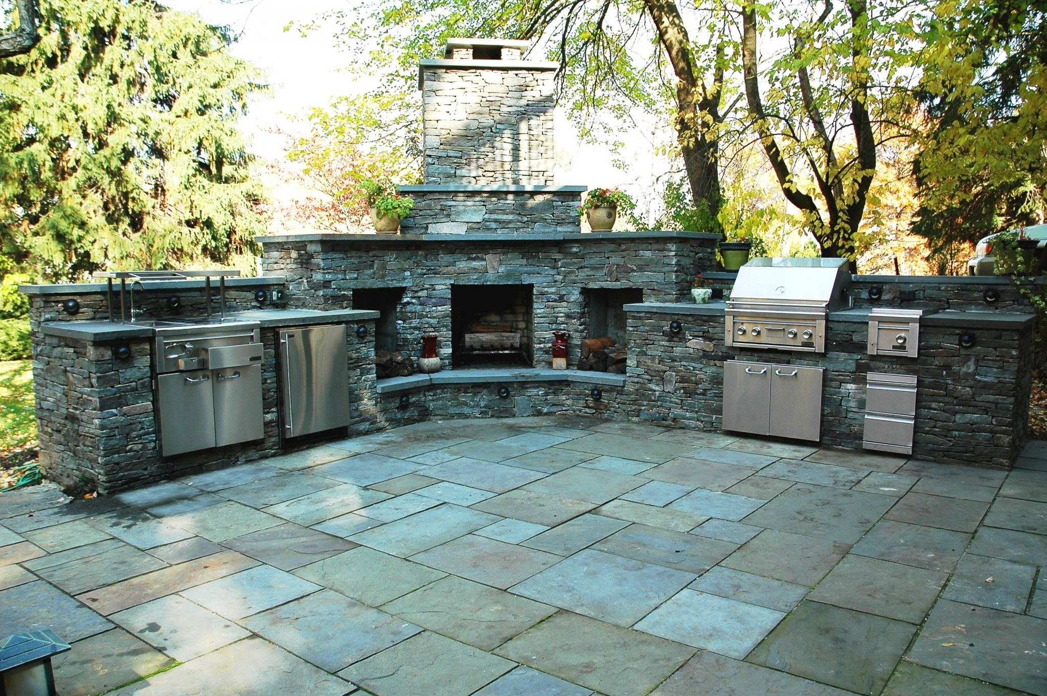 outdoor kitchen and grill - neutral interior paint colors Check more ...