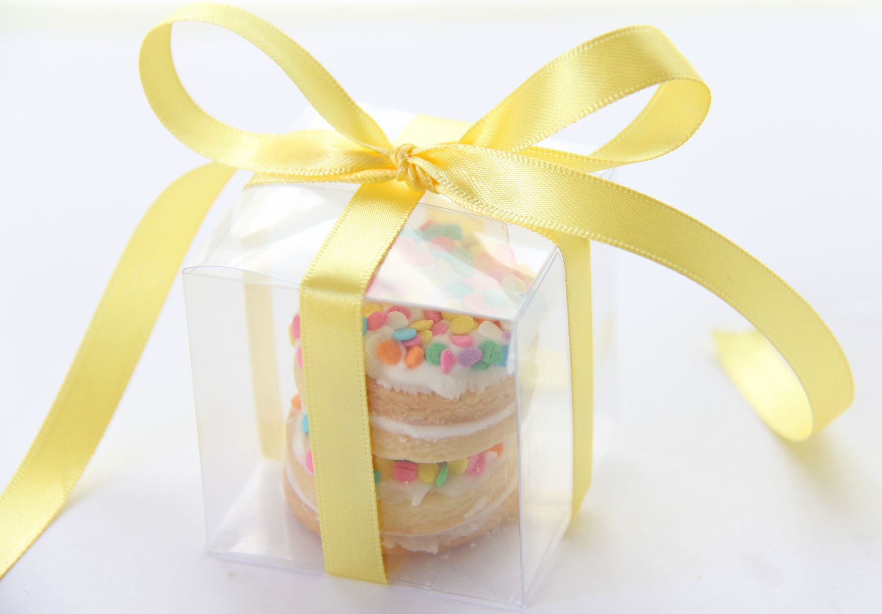 Clear boxed funfetti cookies | Wedding & party favours | Pinterest ...