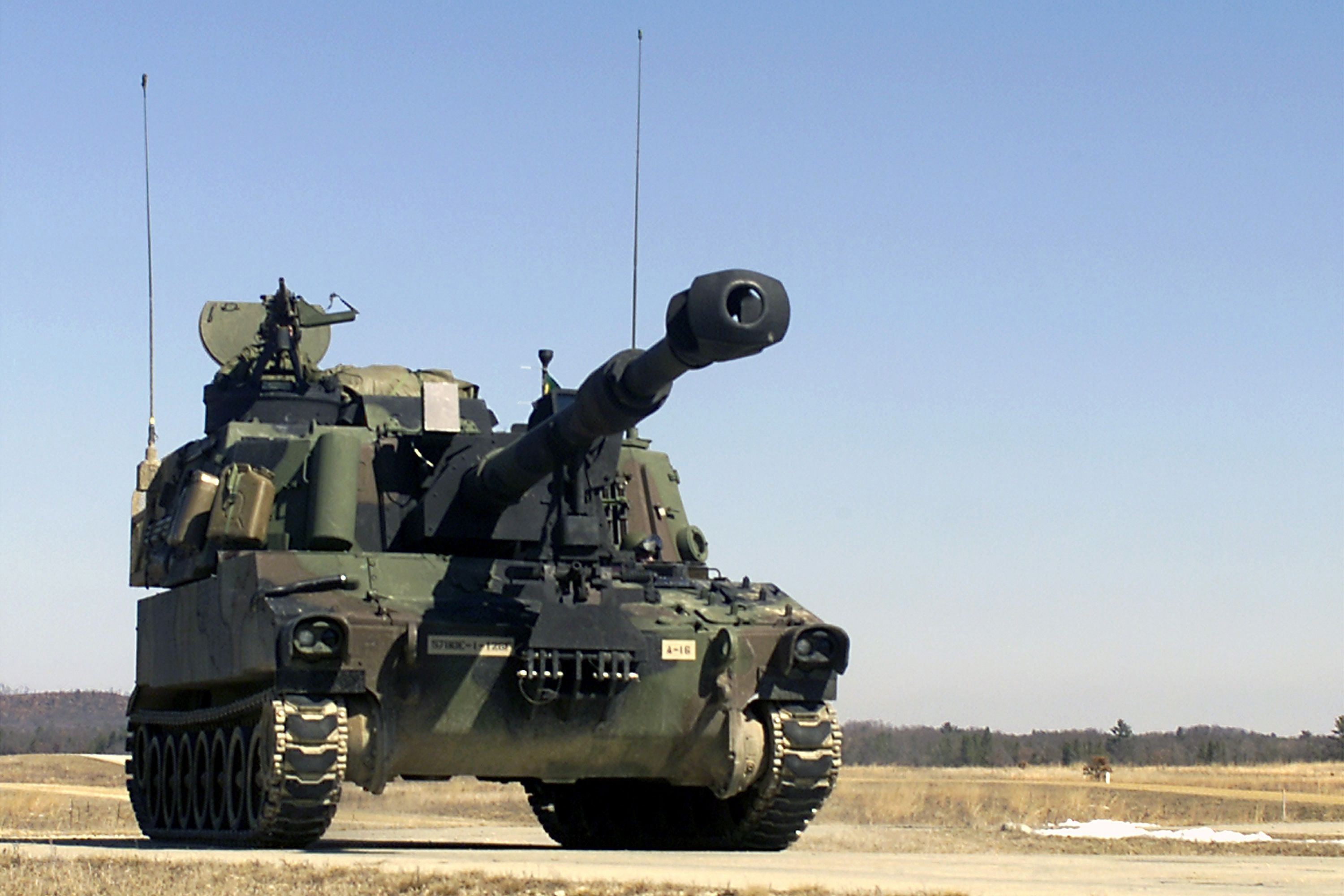 M109A6 Paladin 155mm Self-Propelled Artillery System. | Military armor, Army vehicles, Military ...