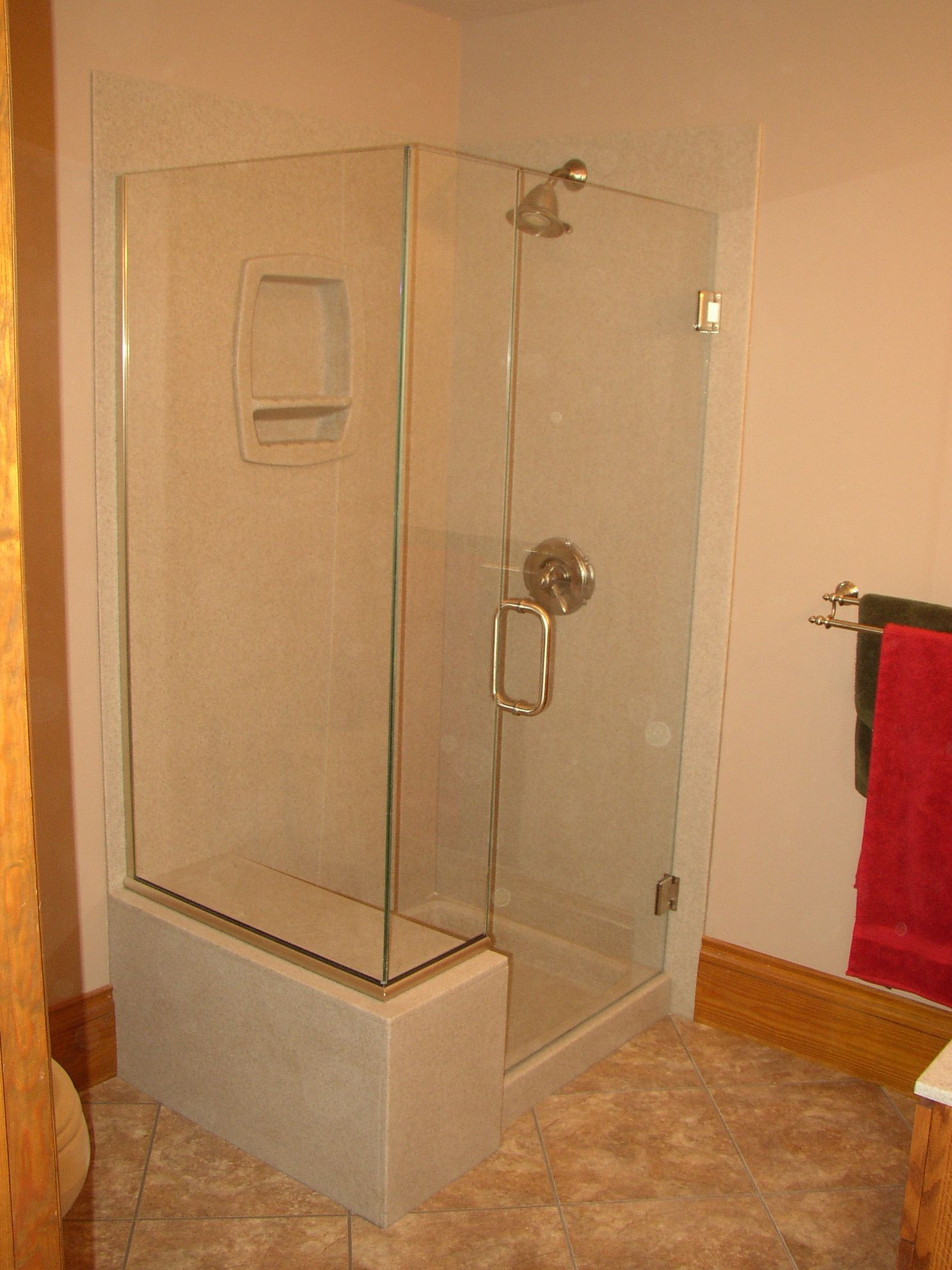 Onyx Shower with glass surround and glass hinged door. Over-sized ...