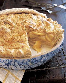 Apple Pie with Cheddar Crust / Brian Leatart