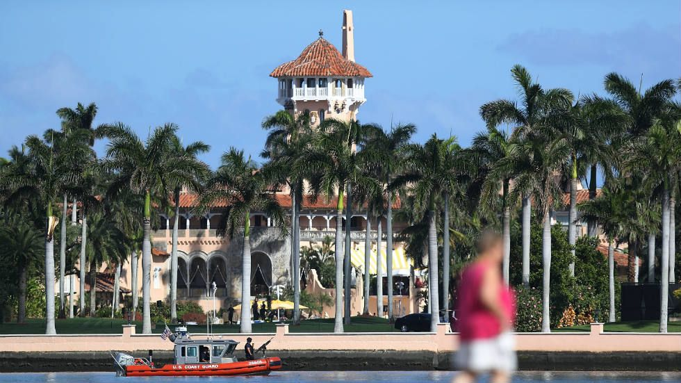 The Trump Organization Has Won The Permission To Hire 70 Foreign Workers To Serve As Maids Cooks And Servers For The 2017 2018 Tourist Trump Donald Palm Beach