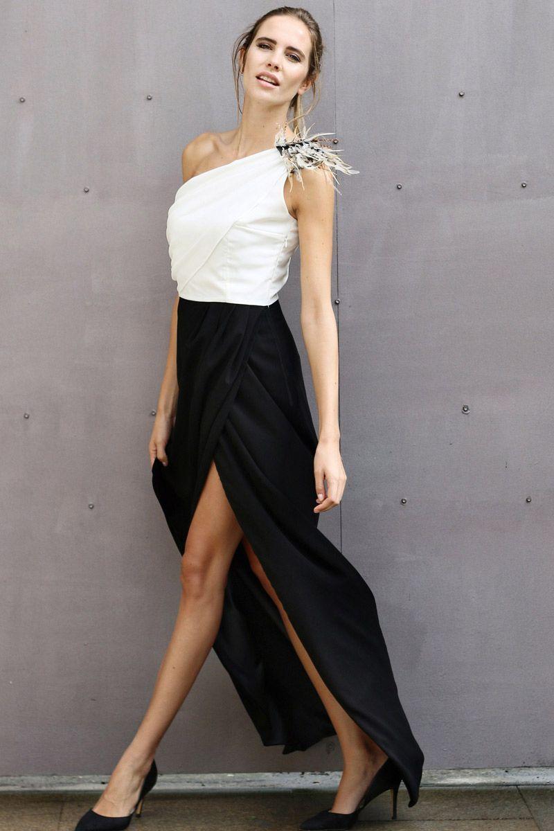 Vestido blanco y negro para una boda