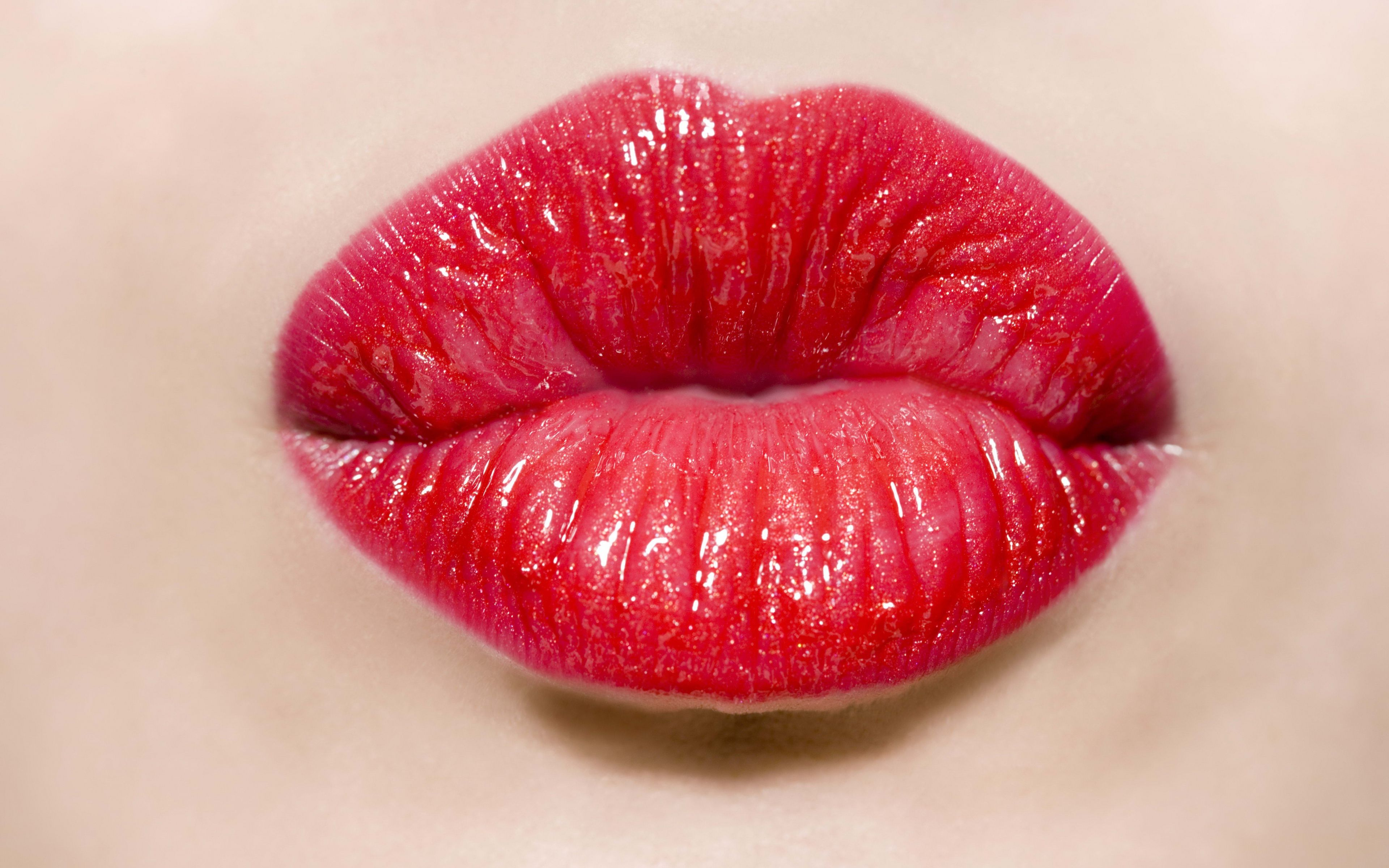 Lops mobili ~ Lips kiss images sp31 4k ultra hd wallpapers for desktop and