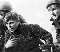 Pochi conoscono la storia dell'ultima resistenza tedesca         e soprattutto i crimini perpetrati contro di loro,quasi tutti ragazzini   ...