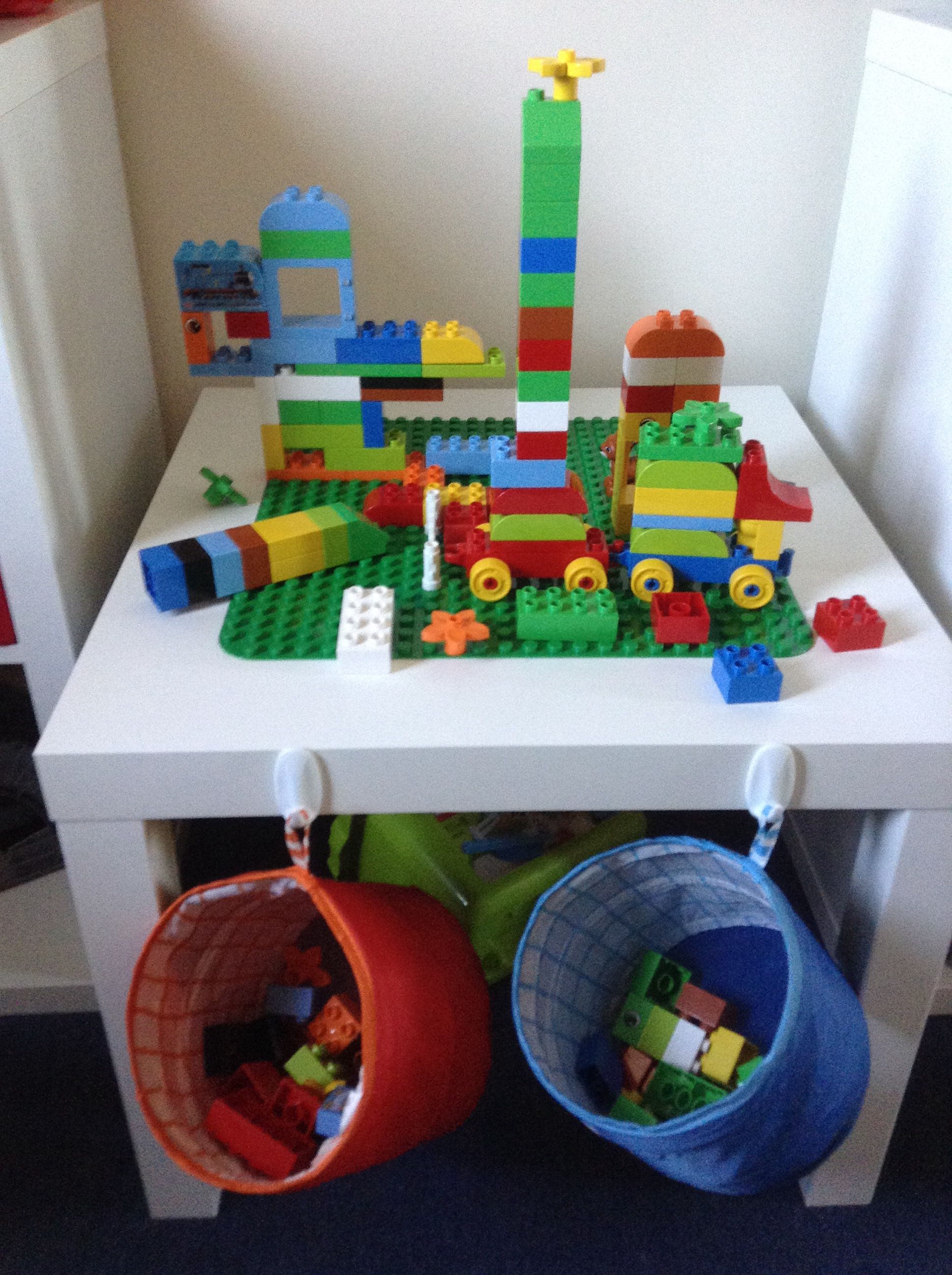 ikea hack duplo table playroom pinterest ikea hack playrooms and lego. Black Bedroom Furniture Sets. Home Design Ideas