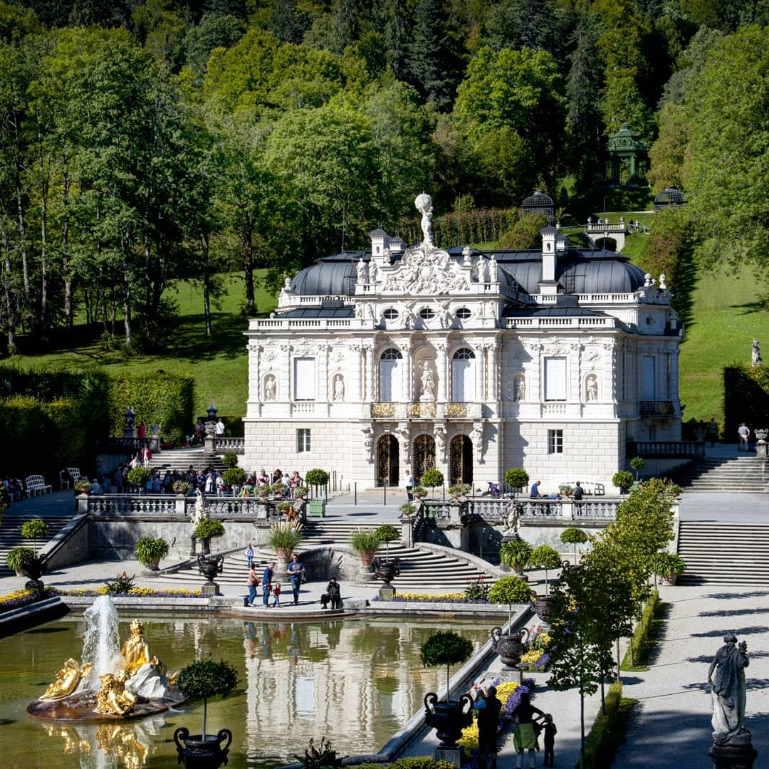 𝗩𝗘𝗥𝗦𝗔𝗜𝗟𝗟𝗘𝗦𝗔𝗗𝗡𝗘𝗦𝗦 On Instagram Let S Spend The Week Exploring The Wonderful Schl Linderhof Palace French Architecture European Architecture
