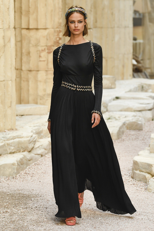 Chanel fashion show spring 2018 dresses