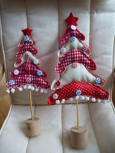 Weihnachtsbaume aus stoff
