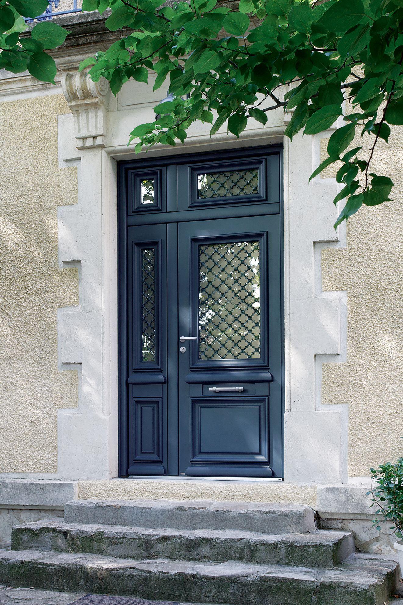 Porte d 39 entr e aluminium classique mi vitr e en optant Prix d une porte d entree en aluminium