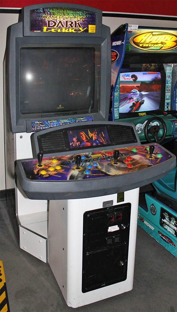 Gauntlet Dark Legacy in showcase cabinet | Arcade Cabinet ...