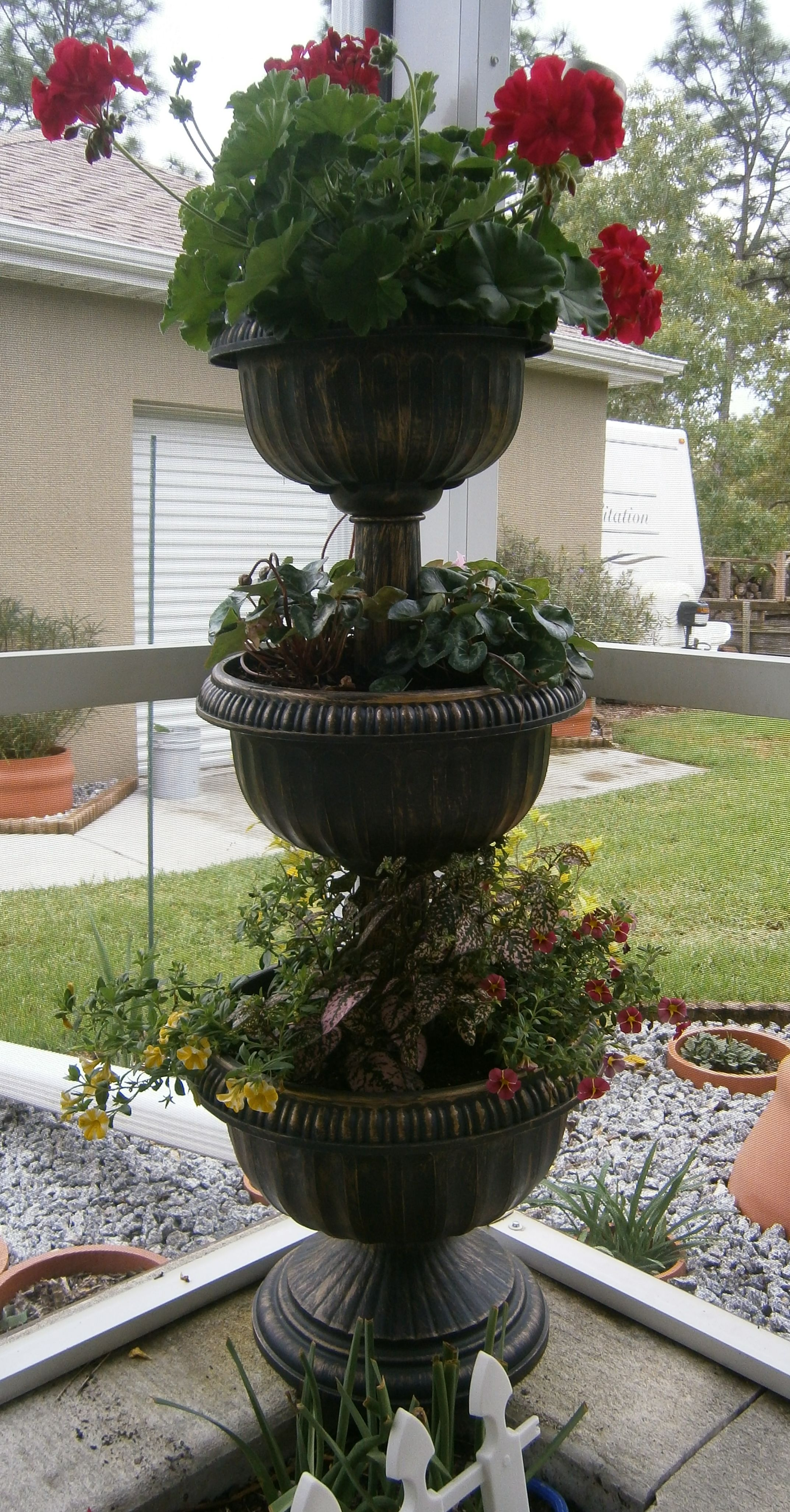 3 Tiered Pot Flowers From Lowes Like The Trailing Ones In This