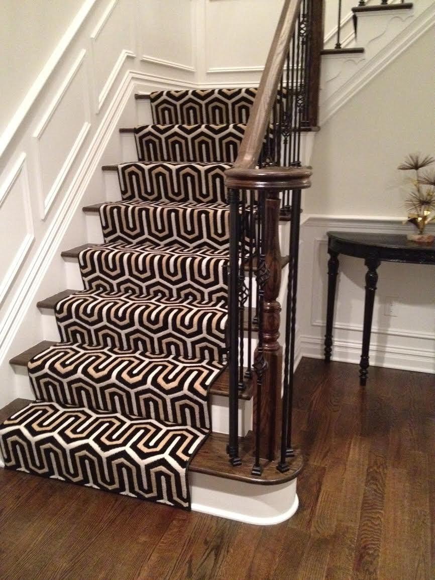 A Stunning Geometric Stair Runner. A Good Alternative If We Canu0027t Find  Starks Ellipse.