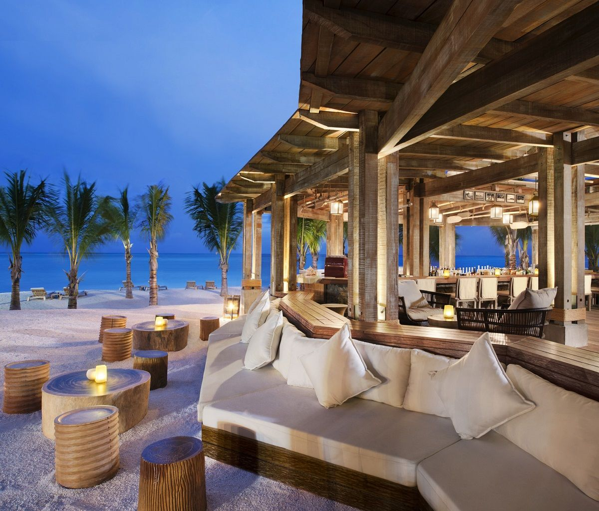 6 awesome hotel beach bars beach bars luxury for Luxury beach hotels
