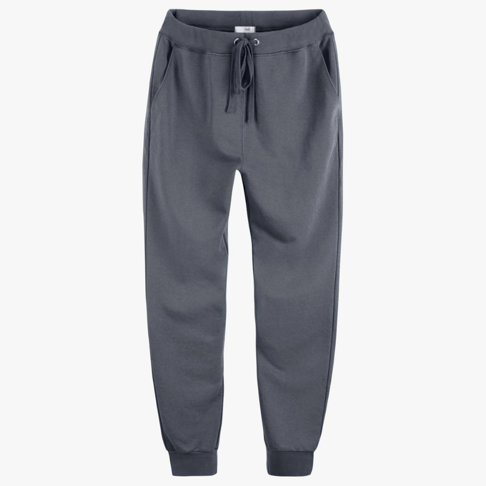 Stacey Dooley Has Created The Chicest Capsule Wardrobe For You In 2020 Lounge Wear Comfortable Loungewear Who What Wear