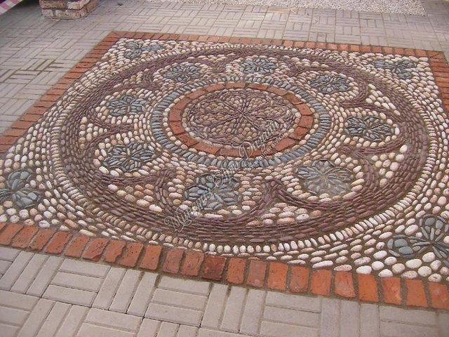 Stone mosaic patios mosaic stone patio design outside for Mosaic garden designs
