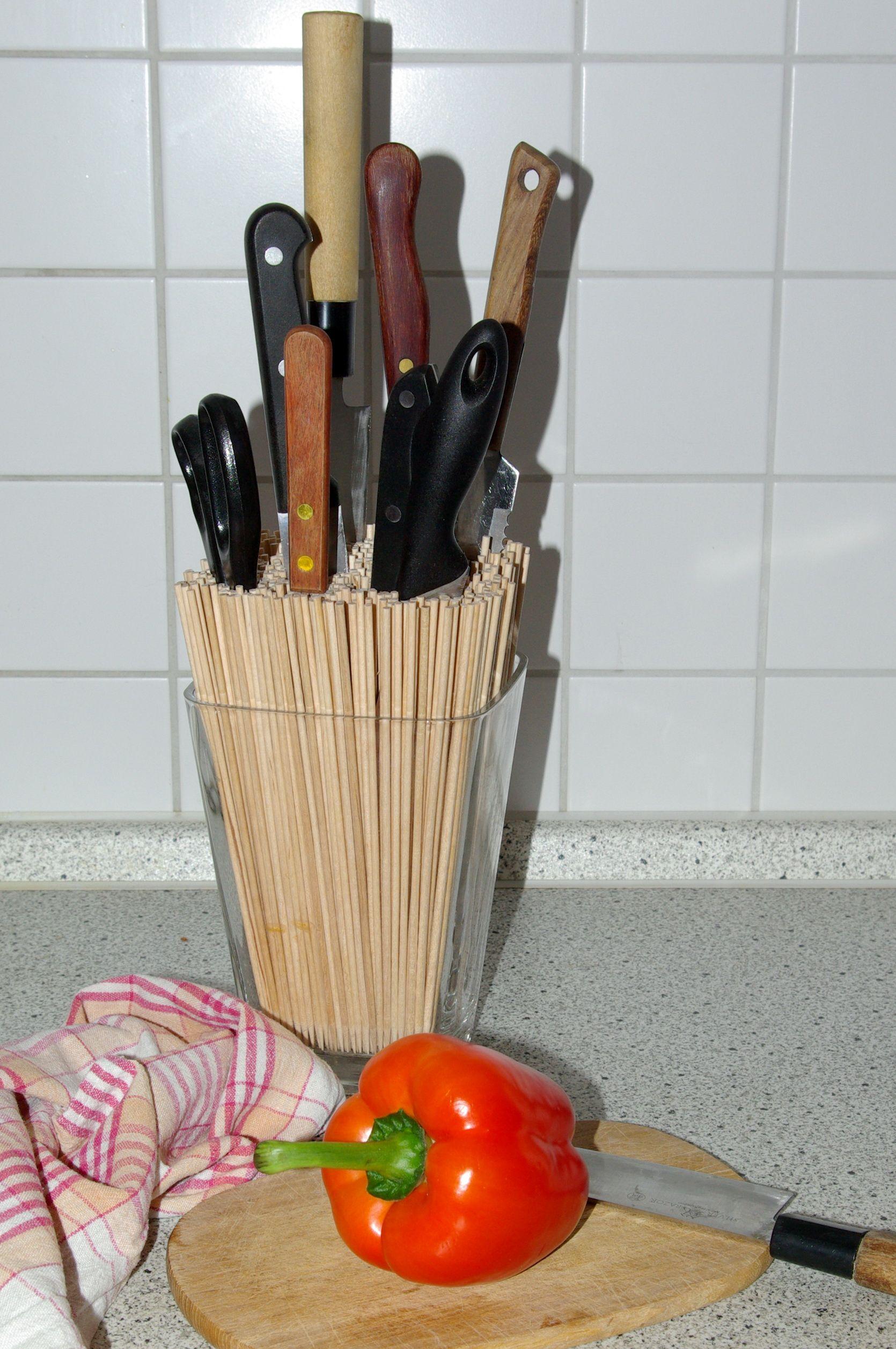 Küchenfenster ideen über spüle glasvase  holzstäbchen udue do it yourself messerblock bzw