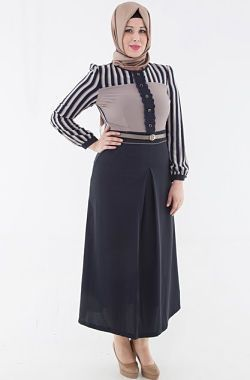 8ffc3853b06 All the plus size women looking for latest hijab fashion trends this post  is for you.We bring awesome collection of Plus size hijabi women fashion  trends.