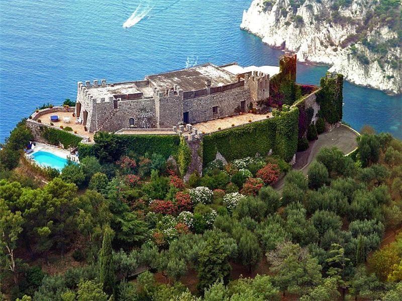 Via del castiglione, Capri, NaplesItal Sotheby's