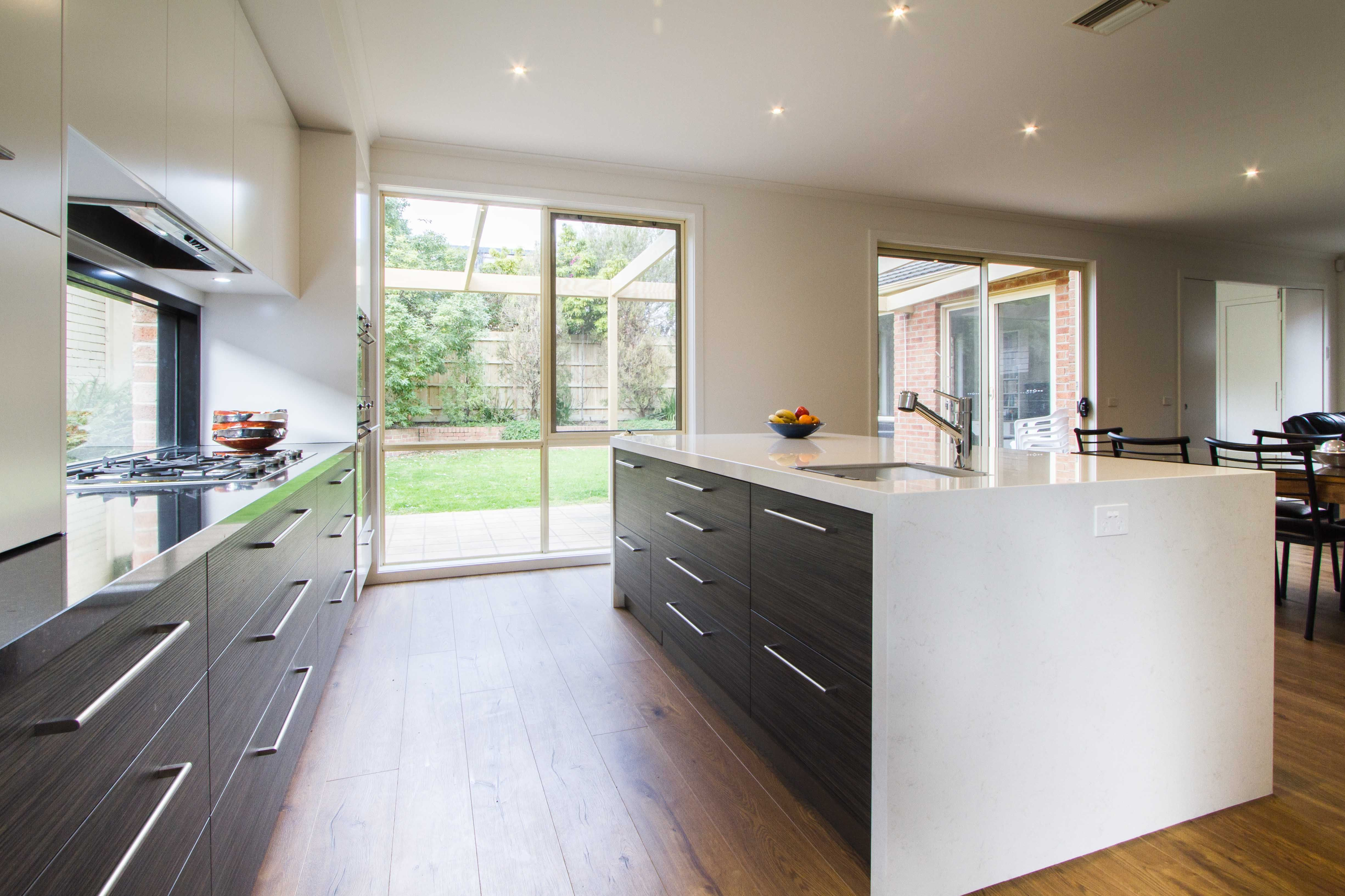 Modern kosher kitchen with scullery/butlers pantry. www ...
