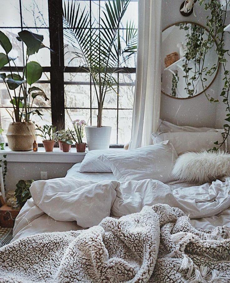 Cozy Homedecor Ideas: 75 Romantic Bedroom Decor Ideas With Plant Theme