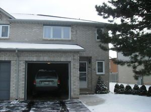 3 Bedroom End Unit Townhouse Lower Stoney Creek