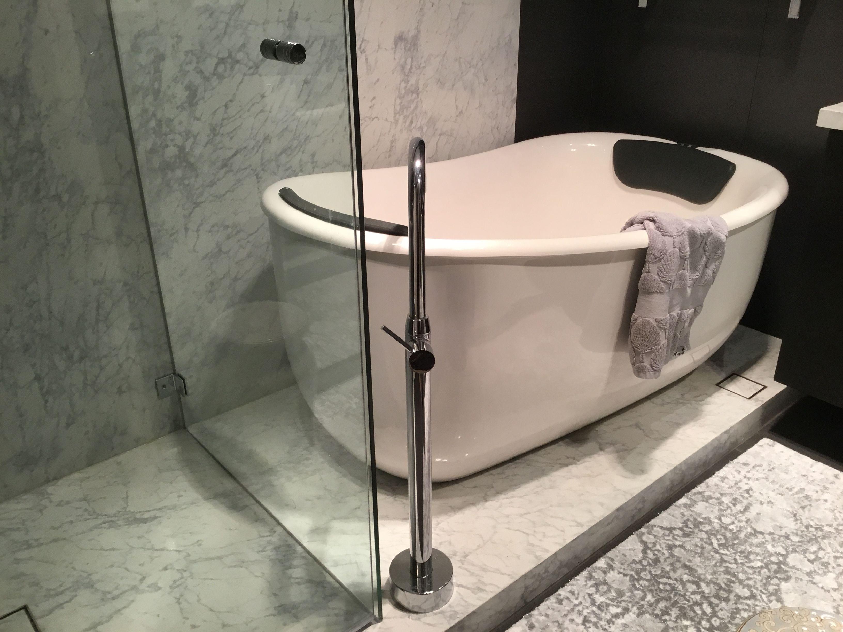 AQVA Tivoli 1500 Freestanding Spa Bath http://www.aqva.com.au | AQVA ...