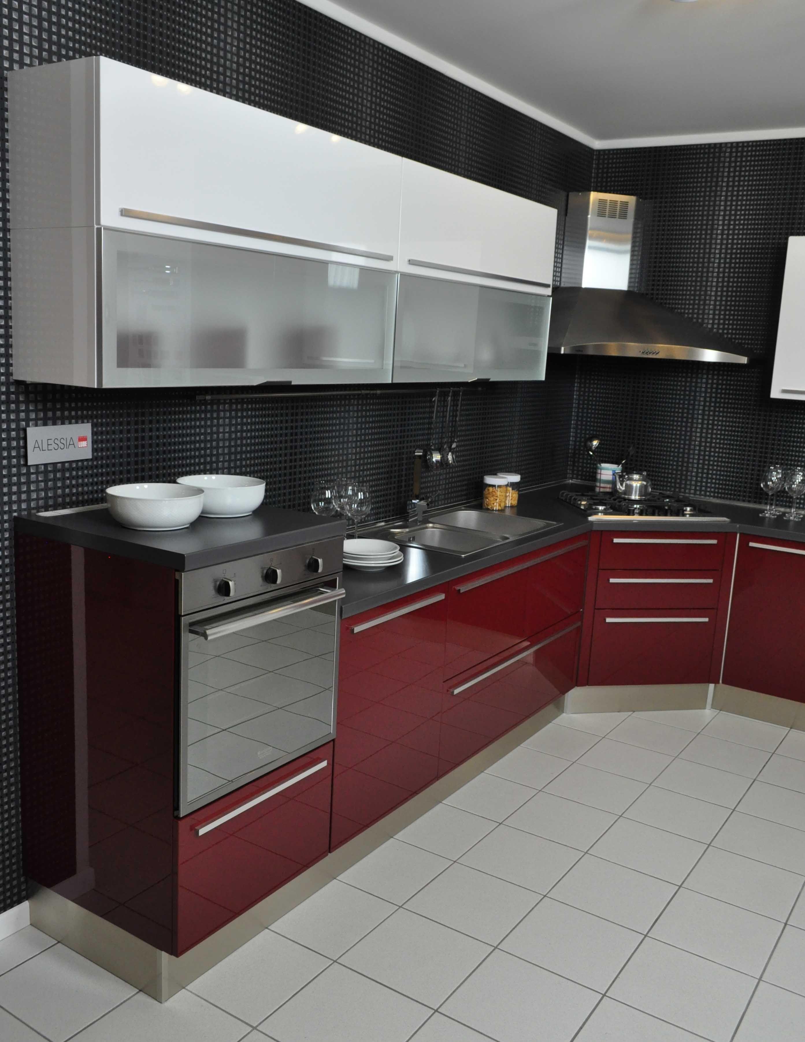 Immagine di http://www.outletarredamento.it/img/cucine/cucina-lube ...