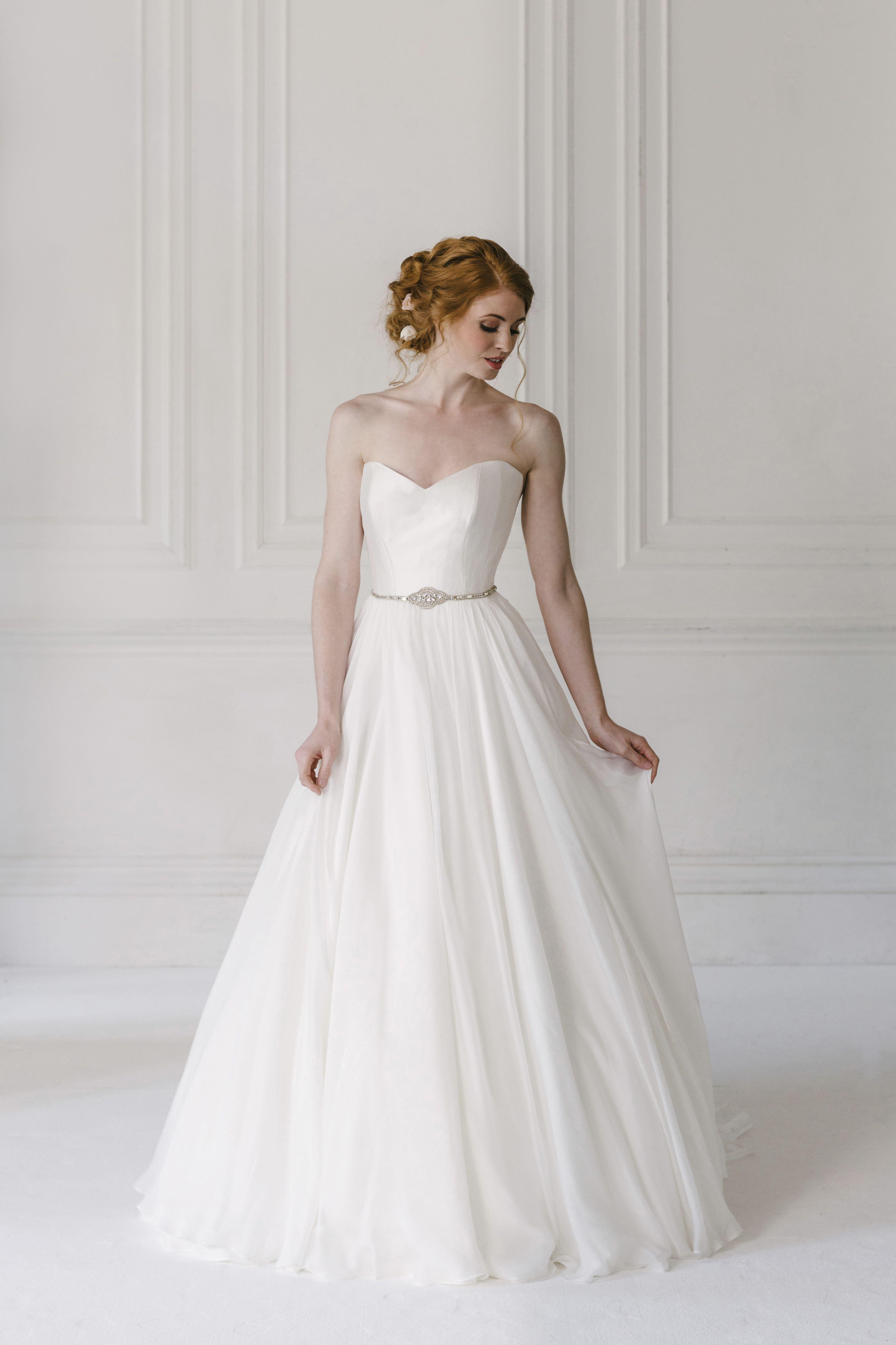 Naomi Neoh \'Ivory Fleur\' - A strapless silk chiffon wedding dress ...