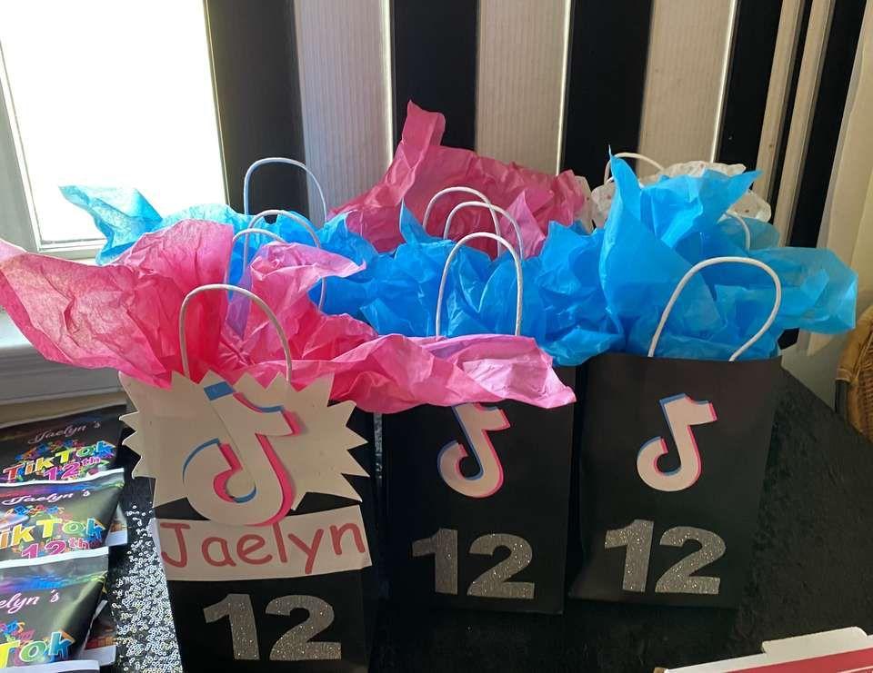 Tik Tok Birthday Jae S Tik Tok Party Catch My Party Glow Birthday Party Party Favor Bags Glow Birthday