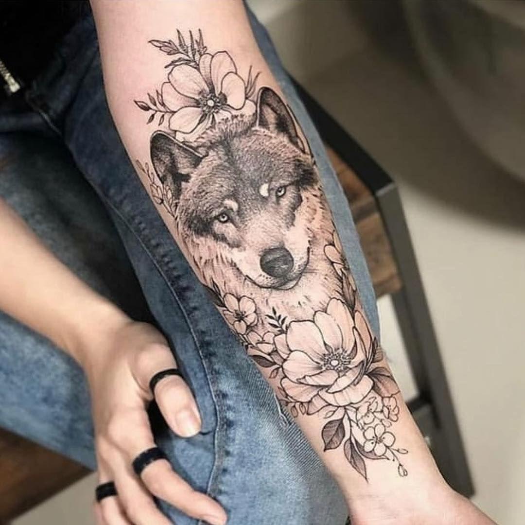 Dovme Piercing Yas Siniri Fiyat Ve Bilgi Icin Lutfen Dm Ulasiniz Iletisim In 2020 Wolf Tattoos For Women Wolf Tattoo Sleeve Tattoos For Women Half Sleeve