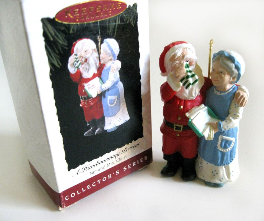 Mr and mrs claus ornaments - A Handwarming Present 9th Mr Mrs Claus Hallmark Keepsake Ornament 1995 Hallmarkkeepsake