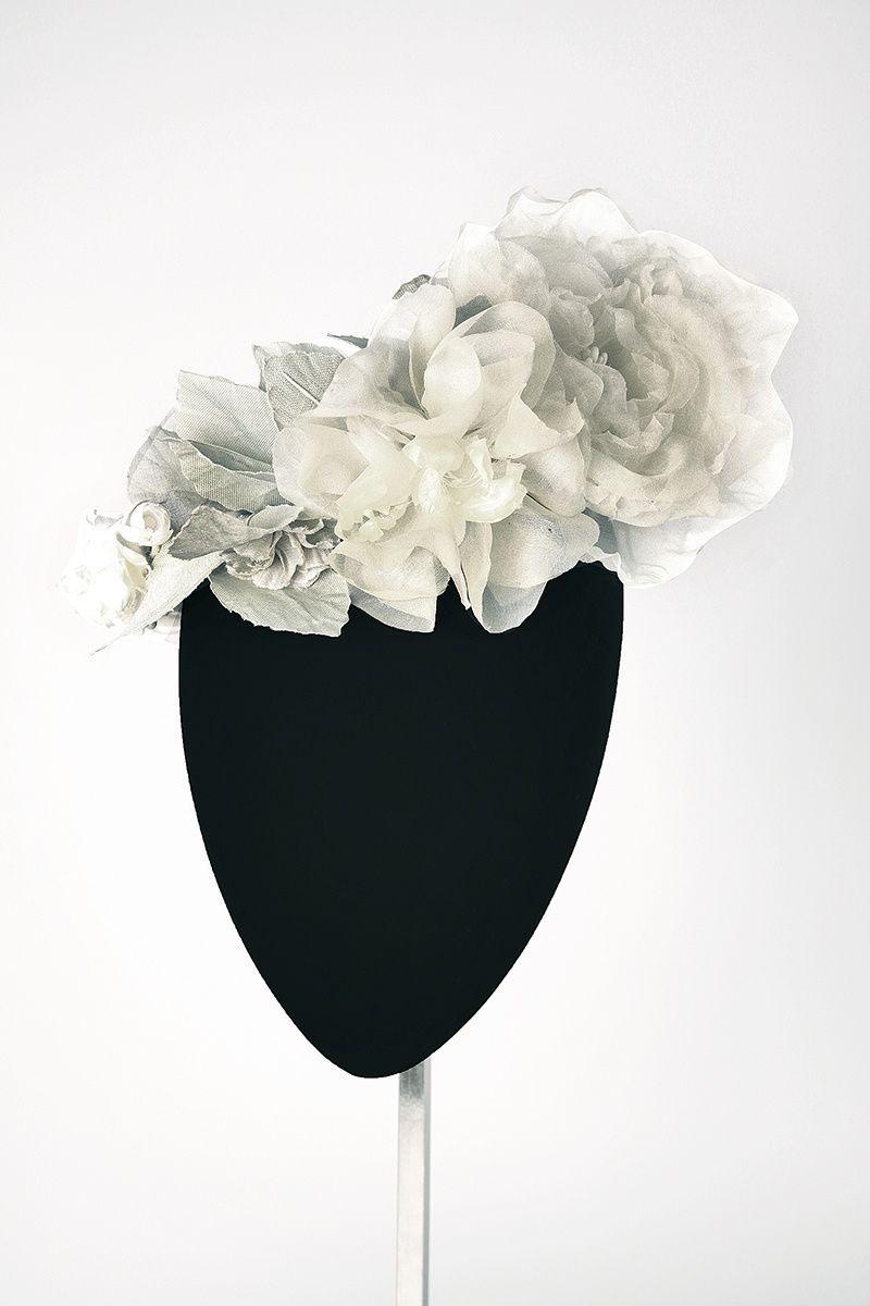flowers Mimoki  white fascinator bride tocado