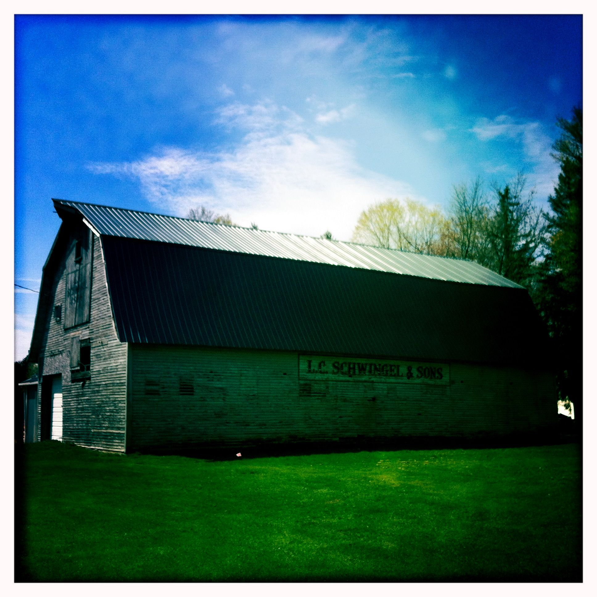 Love this barn behind my grandparents house north