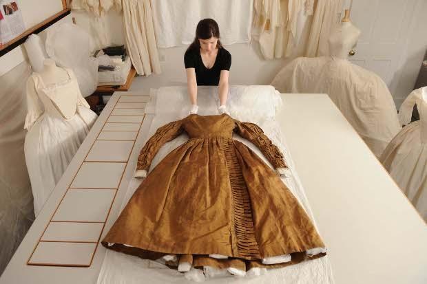 Queen Victoria Wedding Dress Kensington Palace Queen Victoria�...