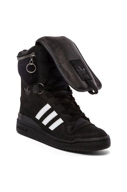 35aaca610f0015 adidas Originals by Jeremy Scott Tall Boy en Blanco y Negro ...