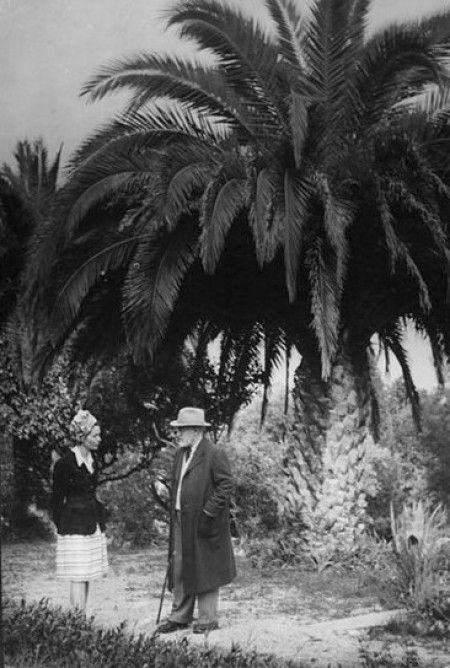 Matisse Et G Brassai Ds Le Jardin De La Villa Le Reve A Vence Henri Matisse Brassai Matisse