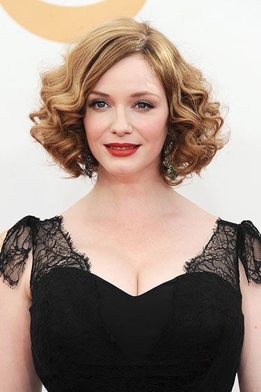 Ride The Wave The Best Retro Curls At The Emmys Vintage Hairstyles Retro Hairstyles Curly Hair Styles